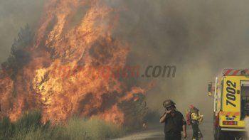 Duro trabajo de brigadistas para controlar un incendio