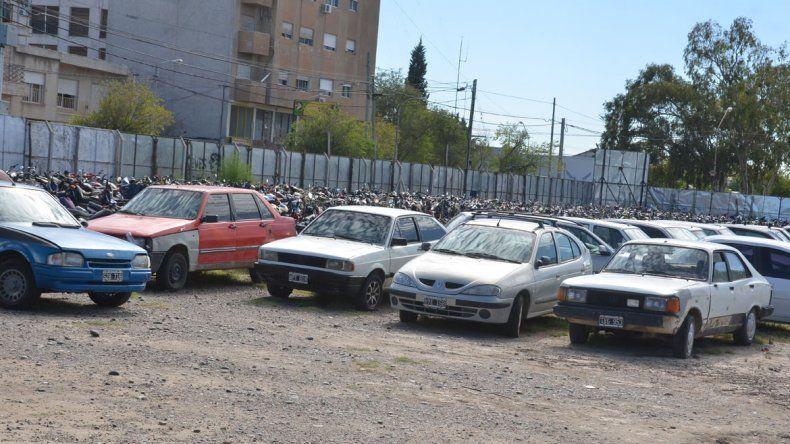 El predio donde funciona el depósito municipal de vehículos secuestrados está ubicado en el Bajo.