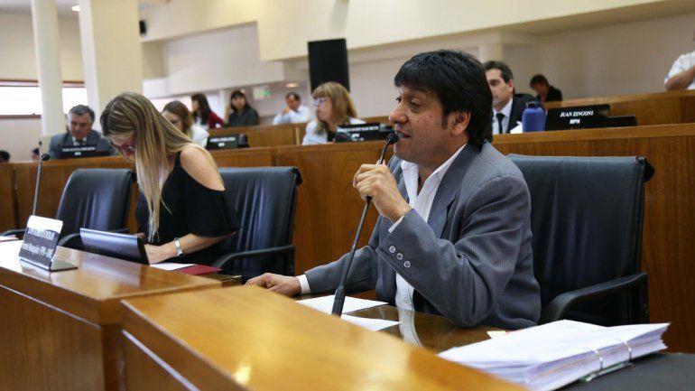 El concejal Luis Durán (FyPN) salió al cruce del veto de Pechi.