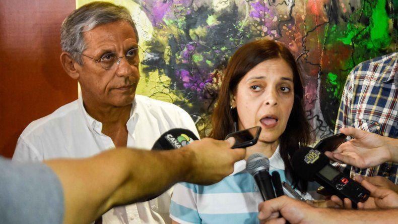Quiroga se reunió con padres y no descartó recurrir al Inadi por discriminación contra los estudiantes.