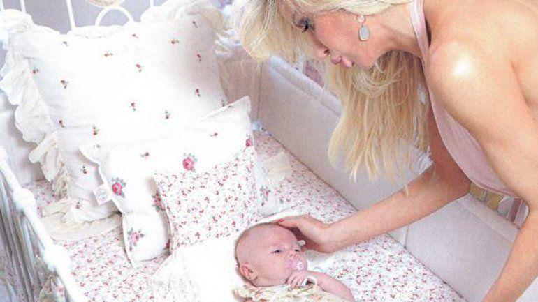 Luciana Salazar mostró a su hija Matilda y su lujosa habitación. Contó que la viste con ropa de grandes marcas.
