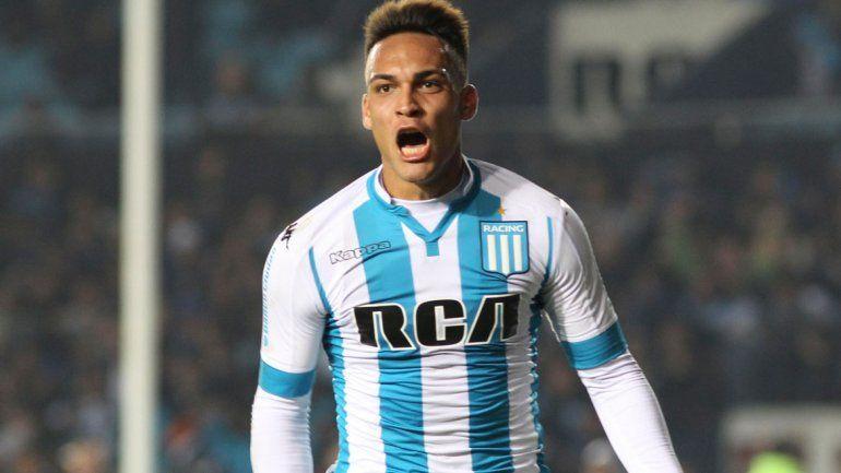 Lautaro Martínez se quedará al menos hasta junio para jugar la Copa Libertadores con la Academia.