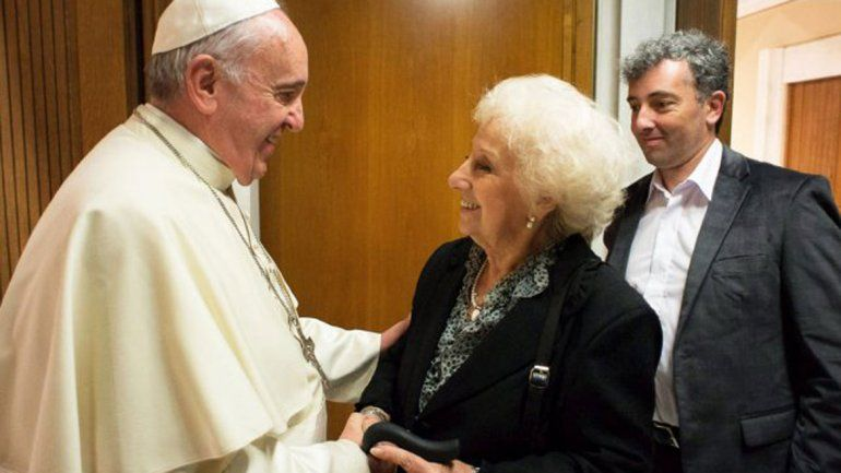 Carlotto estuvo acompañada por su hija y la sobrina de Leonie Duquet.
