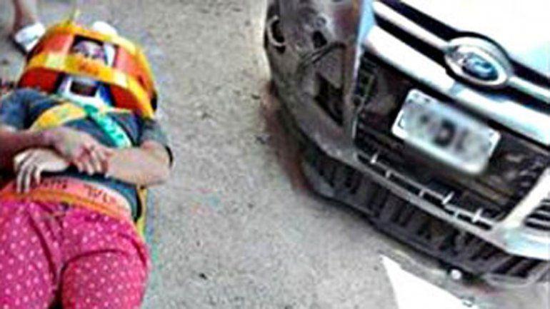 Conductor borracho se subió a la vereda y atropelló a un joven en Valentina Sur