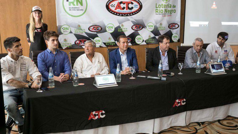 Los gobernadores Weretilneck y Gutiérrez asistieron a la presentación que se realizó en el casino de Cipolletti.