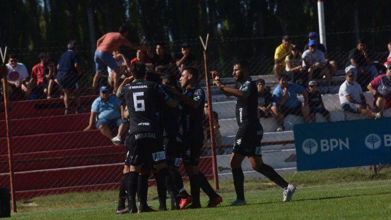Rojo de bronca: Independiente no pudo y cayó con Cipo por 3 a 0