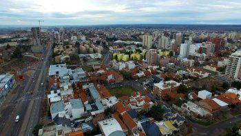 La ciudad de Neuquén es una de las que más superficie construida agregan año tras año. Muchos vecinos construyen y no declaran la obra que realizan.