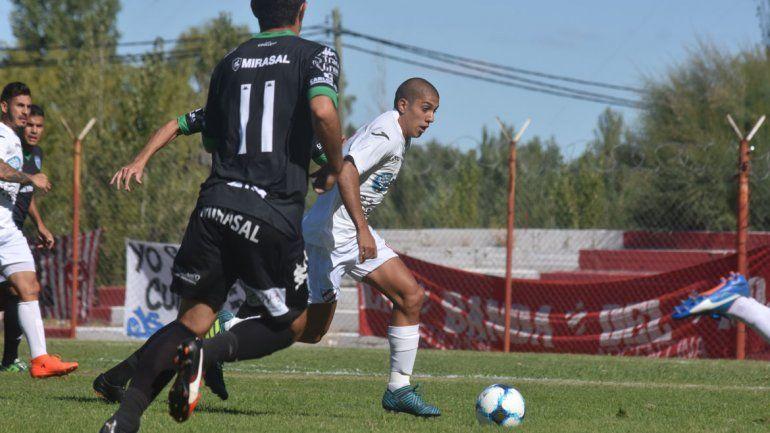 Villegas en su vuelta a la titularidad fue de lo mejor de Independiente en zona de ataque.