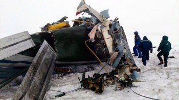 un avion con 71 pasajeros se estrello en moscu: murieron todos