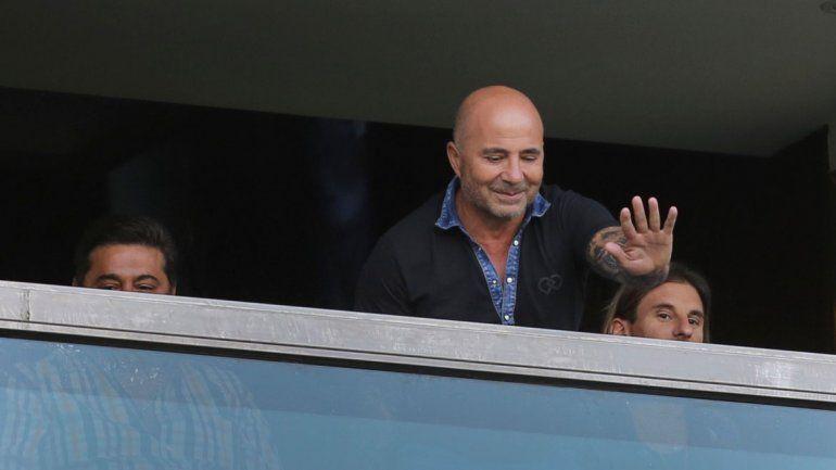 Sampaoli estuvo en el palco junto a Angelici viendo a los jugadores de Boca.