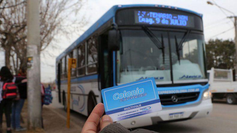 La empresa Expreso Colonia goza de un buen servicio pero muy caro.