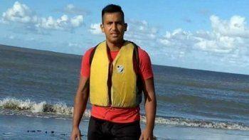 asi rescataron a un kayakista que estuvo perdido dos dias