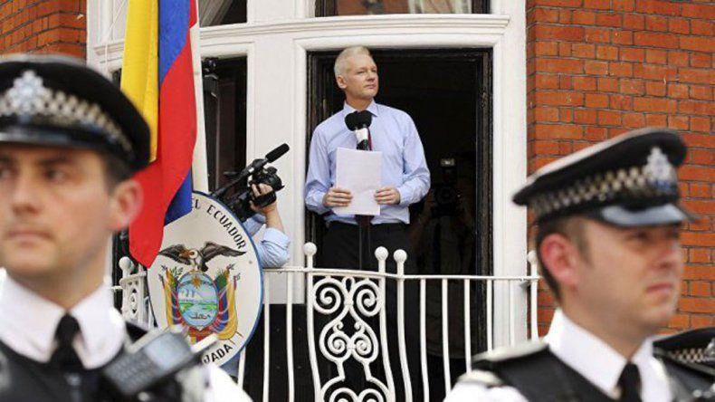El fundador de WikiLeaks seguirá en la embajada de Ecuador.