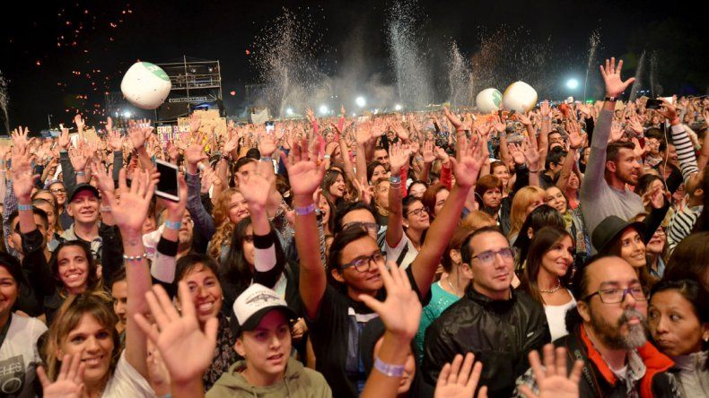 Abel Pintos cerró la sexta edición de la Fiesta de la Confluencia