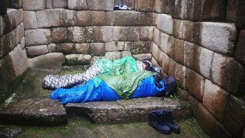 Dos argentinos presos por dormir en Machu Picchu