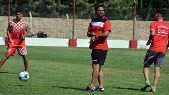 El entrenador del Rojo realizaría variantes para recibir a Sansinena.