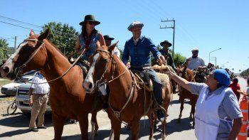 El gobernador Omar Gutiérrez y su señora se unieron a los montados