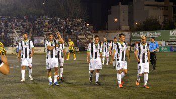 Cipolletti cayó de local ante Sansinena y Deportivo Madryn por Federal A. Les ganó a Roca y al Rojo, pero por Copa Argentina.