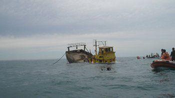El antiguo pesquero Don Félix, hundido en 2007. Ahora sumergirán cuatro embarcaciones más.