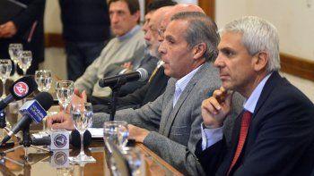 Sapag y el ex ministro Guillermo Coco están en la mira por la denuncia del cobro de supuestos sobornos.