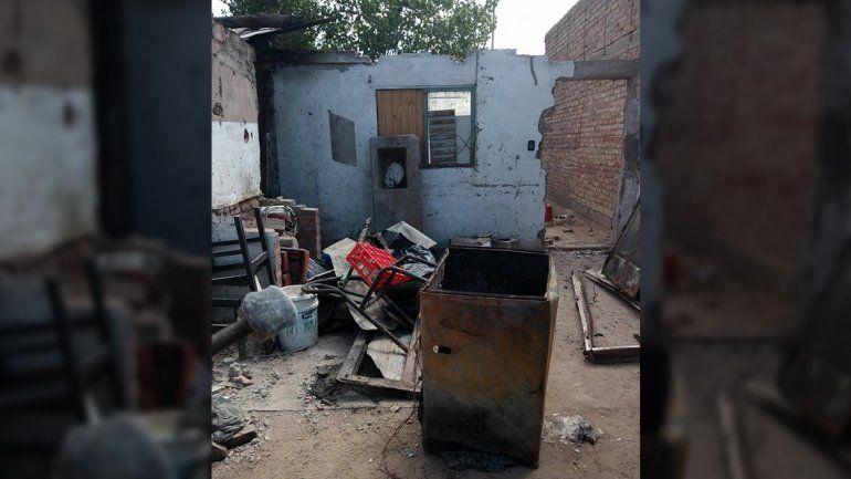 Le robaron donaciones a la familia que perdió todo en un incendio en Cutral Co