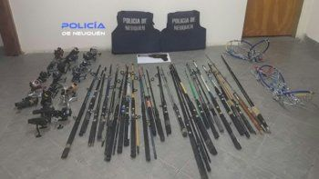 detienen a tres jovenes con equipos de pesca robados