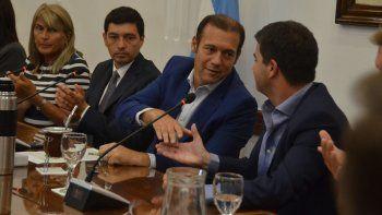 Gutiérrez suscribió ayer el acuerdo en Casa de Gobierno.
