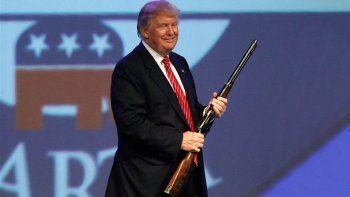 El estadounidense se expresó luego del tiroteo con 17 muertos en Florida.
