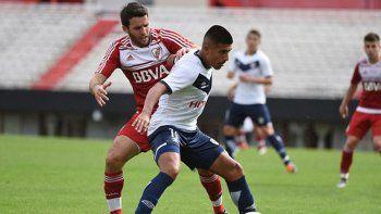 Camilo Mayada volverá a la titularidad ante Vélez.