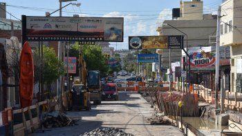 La obra de la calle Láinez preocupa a comerciantes