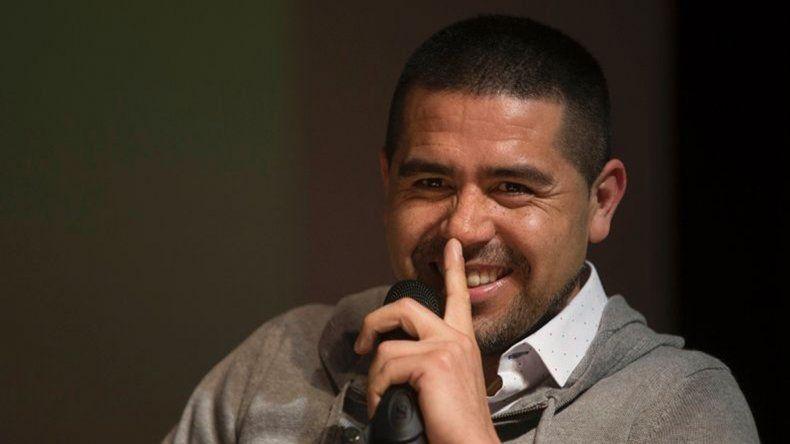 Copa Libertadores: Riquelme le metió presión a Tevez para la clasificación