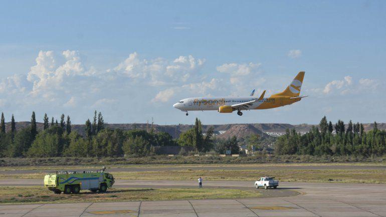 Flybondi: salió con 6 horas de demora y desde otro aeropuerto