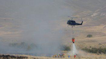 Bomberos contienen un voraz incendio en Junín de los Andes