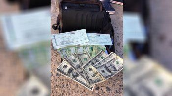 Encontró más de $ 150 mil en la calle y los devolvió