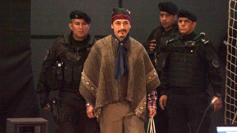 Agrupaciones mapuches se enfrentaron con Gendarmería tras el fallo.