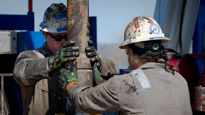 Petroleros se acercan a una suba del 15% con revisión