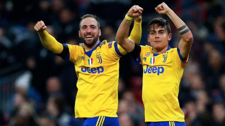 Con goles de Higuaín y Dybala, Juventus se metió en cuartos