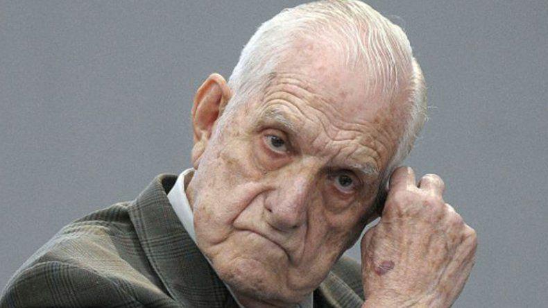 El ex presidente (1982-1983) estaba internado en el Hospital Militar.