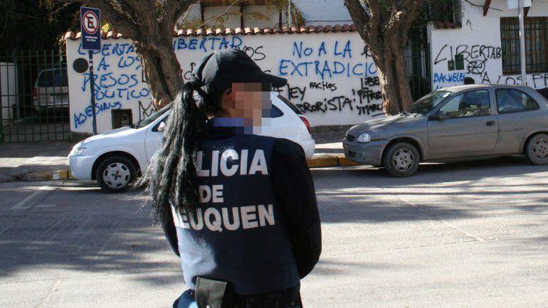 El drama oculto de las mujeres policía