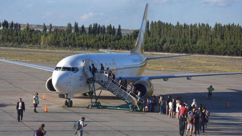 Flybondi anunció dos nuevas rutas desde Neuquén: conocé los destinos