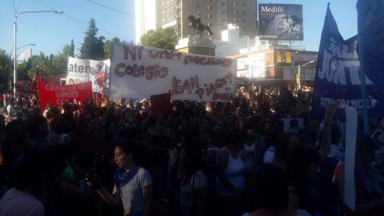 Las neuquinas ya viven la previa de la marcha por el #8M