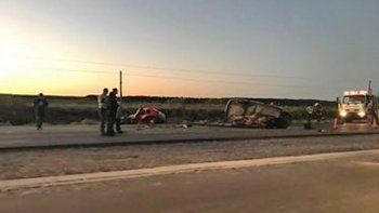 Dos hombres muertos en un terrible choque frontal en la Ruta 22