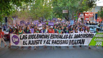 miles de mujeres marcharon contra los femicidios y por el aborto legal