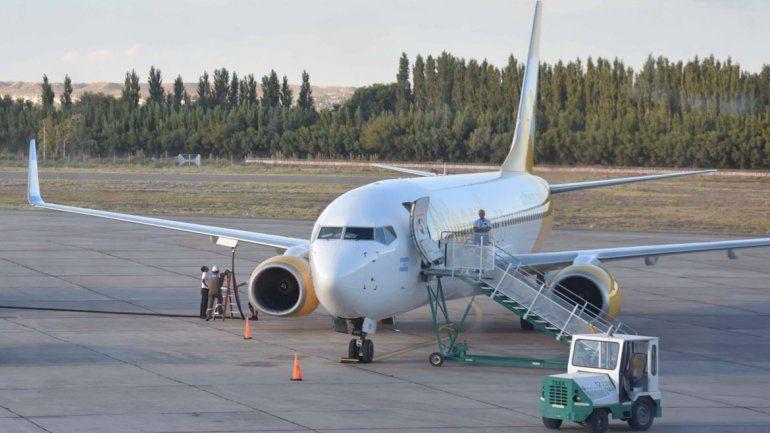 Vuelo de Flybondi cambió de horario y aeropuerto