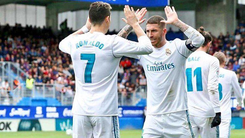 Apriete en pleno partido: el defensor Sergio Ramos no aguantó y tuvo que pedir permiso para ir al baño