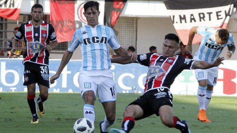 Racing no pudo con Chaca y Colón goleó a Olimpo