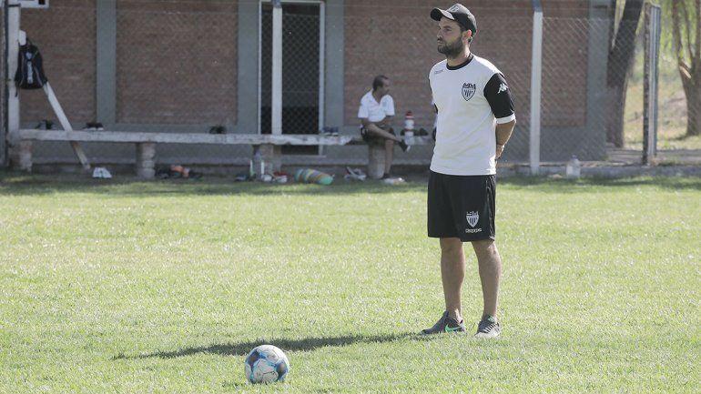 Cipo busca aire en el sur, en el debut de Germán Alecha