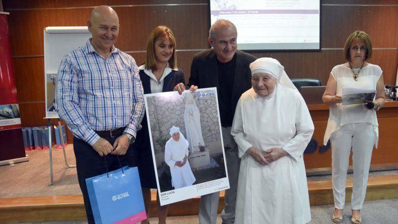Sor Lucía. 94 años. Neuquén. Es de la orden Hermanitas de los Pobres. Lleva 70 años al servicio de los ancianos. Aún continúa con su labor.