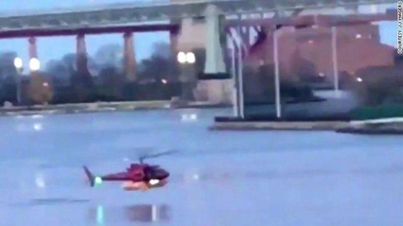 Un helicóptero cayó en Nueva York: hay al menos dos muertos