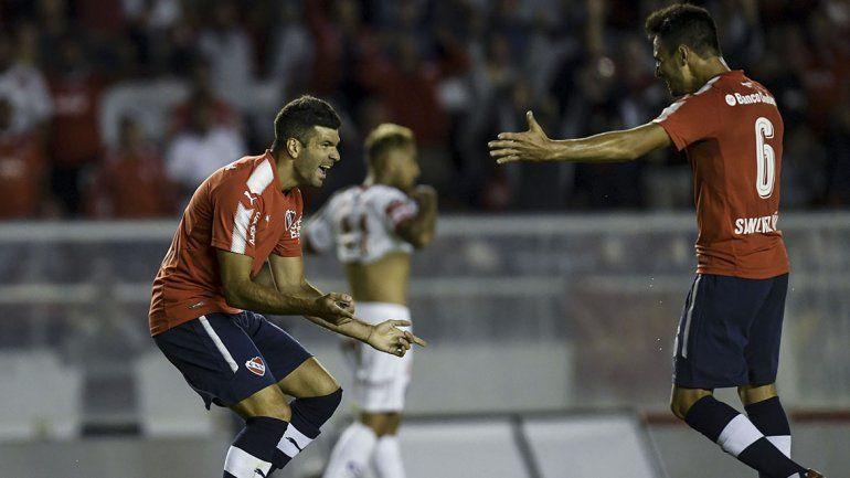 Independiente sufrió un poco al final pero le ganó al Bicho
